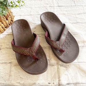 Vionic Pacific Kehoe orthotic brown flip flops 8W
